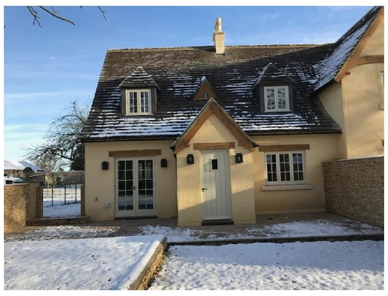 The Henhouse a british holiday cottage for 4 in ,