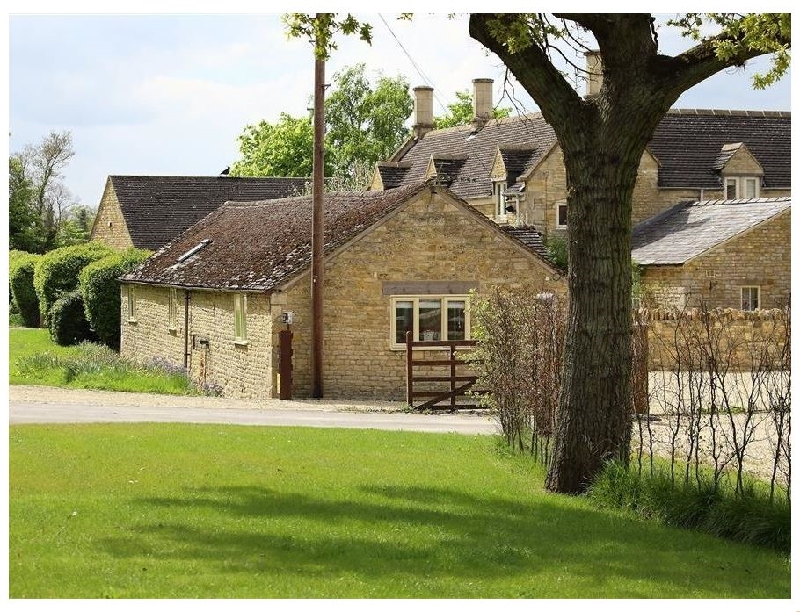 Kite Barn a british holiday cottage for 4 in ,