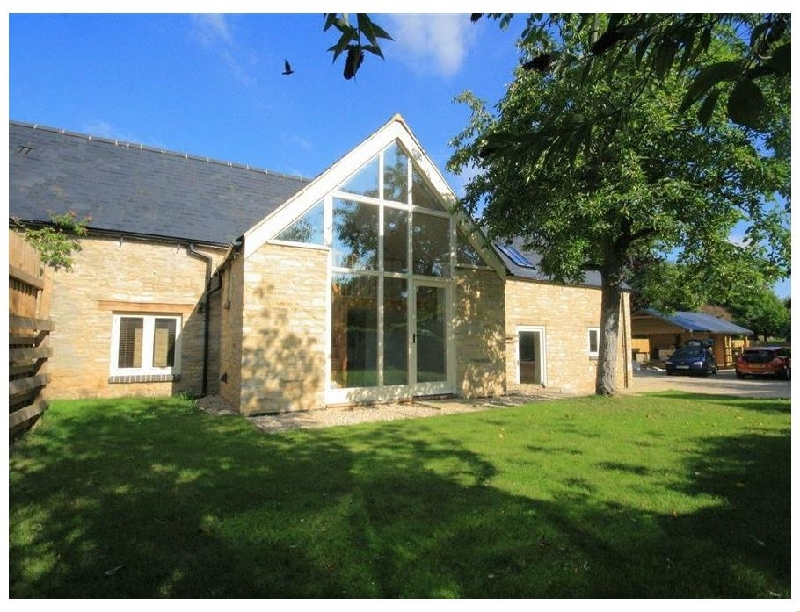 Malt Barn a british holiday cottage for 12 in ,