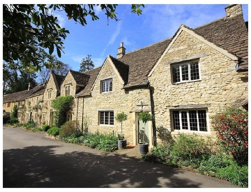 Castle Combe Cottage a british holiday cottage for 4 in ,
