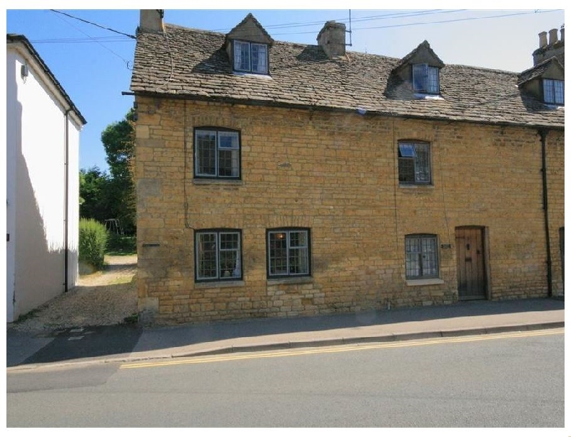 Newbury Cottage a british holiday cottage for 4 in ,