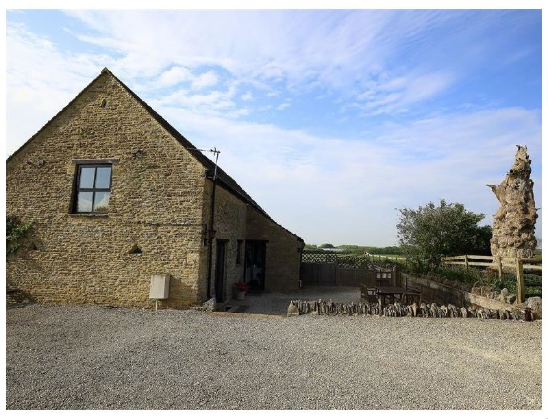 The Old Oak Tree Barn a british holiday cottage for 4 in ,