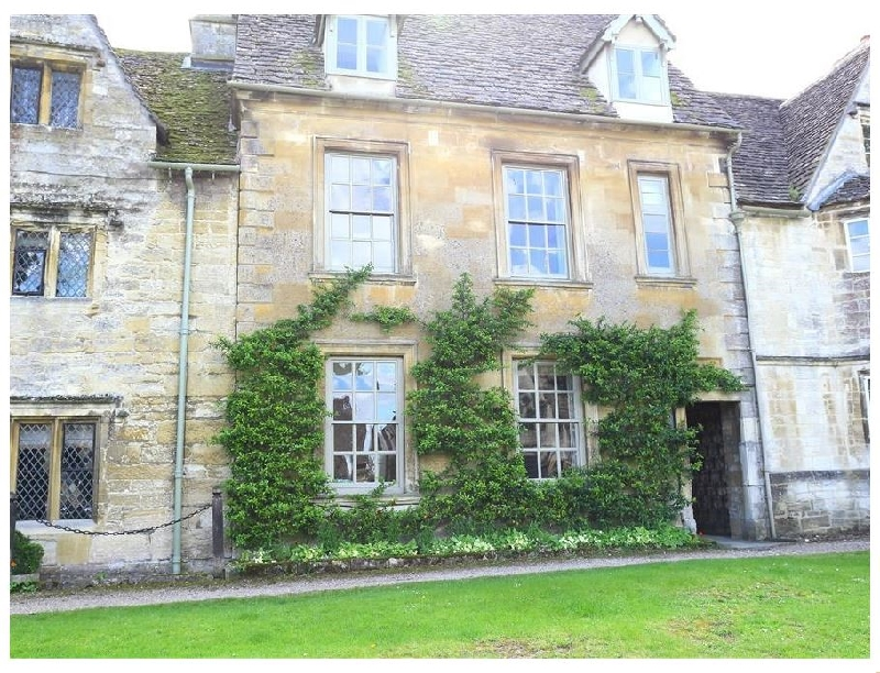 Burford House a british holiday cottage for 8 in ,