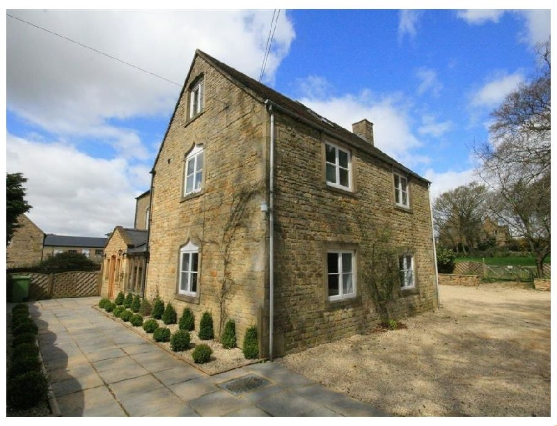 South Hill Farmhouse a british holiday cottage for 22 in ,