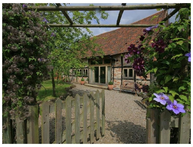 Whites Farm Barn a british holiday cottage for 6 in ,