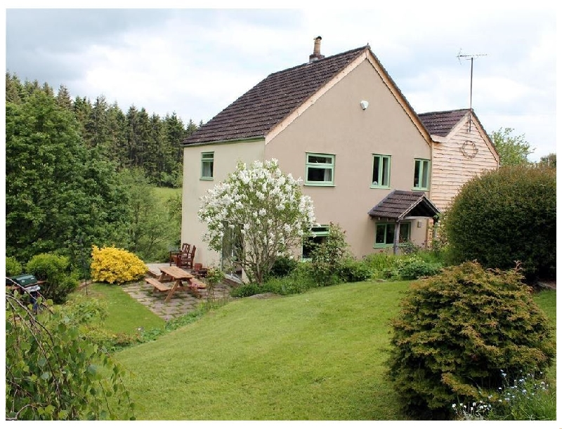 Rose Tree Cottage a british holiday cottage for 6 in ,