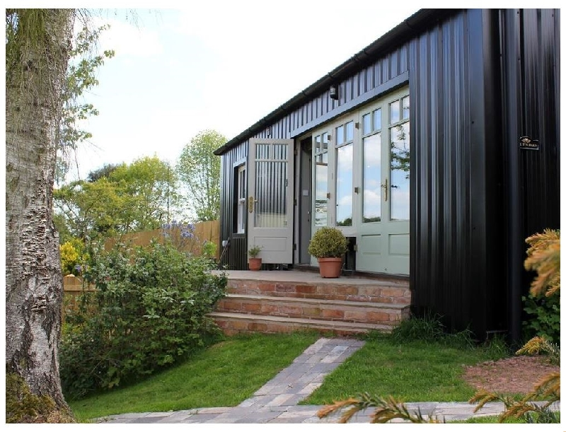 The Tin Barn a british holiday cottage for 2 in ,