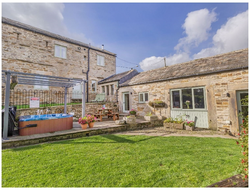 Cobblers Barn a british holiday cottage for 10 in ,