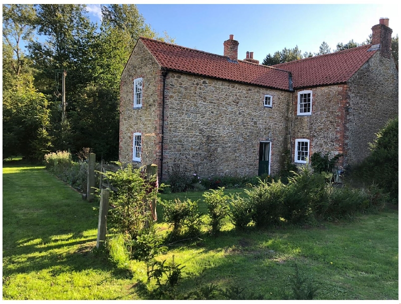 Low Moor Farm a british holiday cottage for 8 in ,