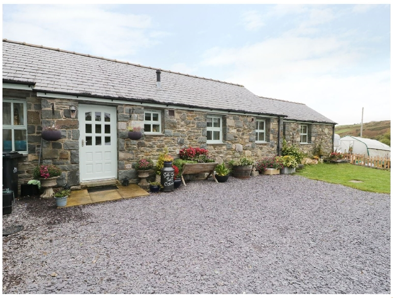 Gelli Glud a british holiday cottage for 4 in ,