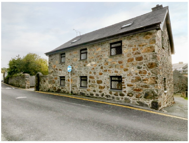 Hen Gapel a british holiday cottage for 6 in ,