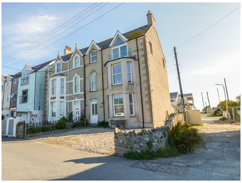 Ground Floor Flat at Wylfa a british holiday cottage for 4 in ,