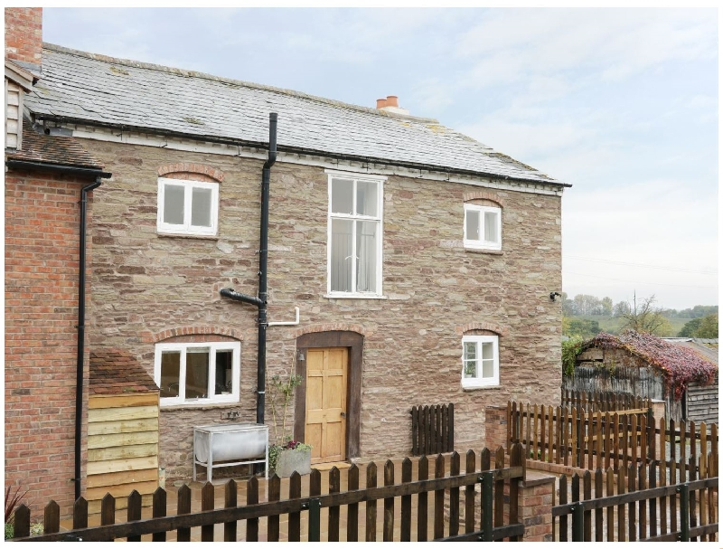 The Farmhouse a british holiday cottage for 11 in ,