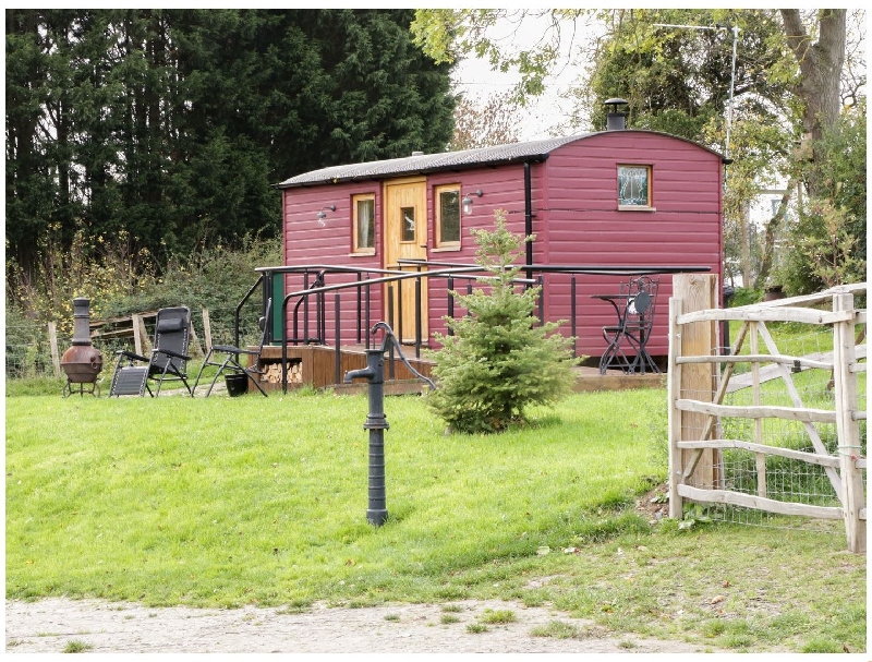 The Shire Hut a british holiday cottage for 2 in ,