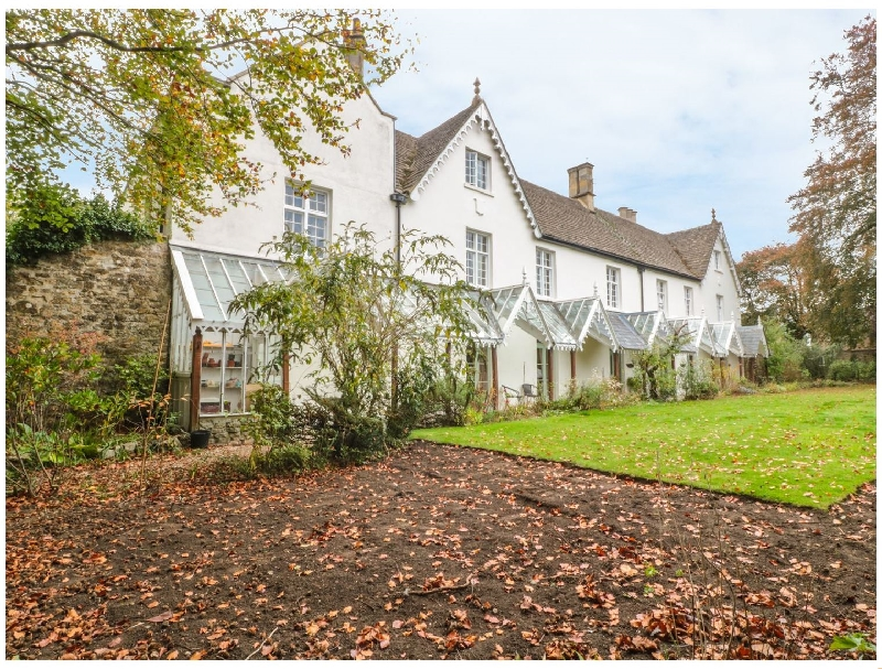 Westhill House a british holiday cottage for 18 in ,