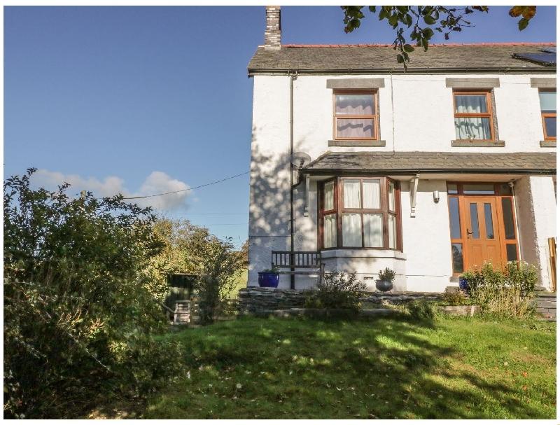 Cae Gwyn a british holiday cottage for 7 in ,