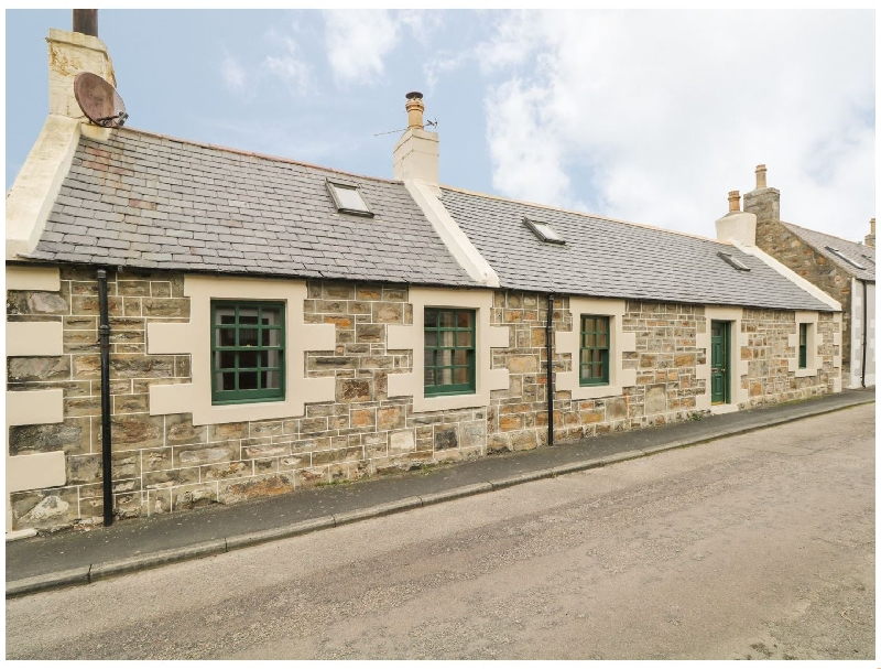 83 Seatown a british holiday cottage for 6 in ,