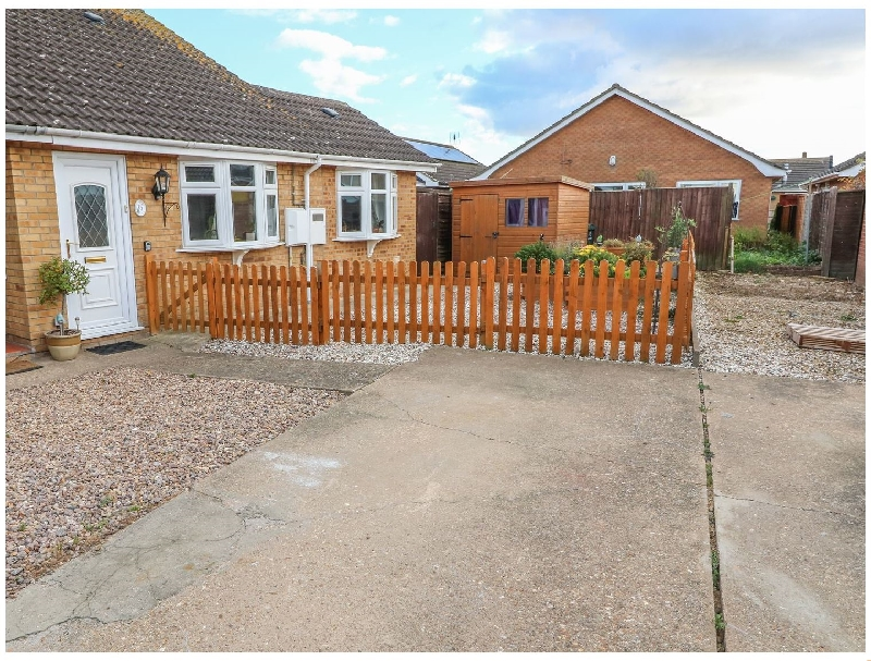 Bumble Bee Cottage a british holiday cottage for 3 in ,