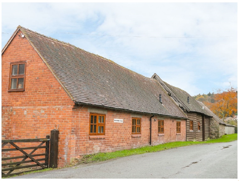 Old Hall Barn 4 a british holiday cottage for 6 in ,