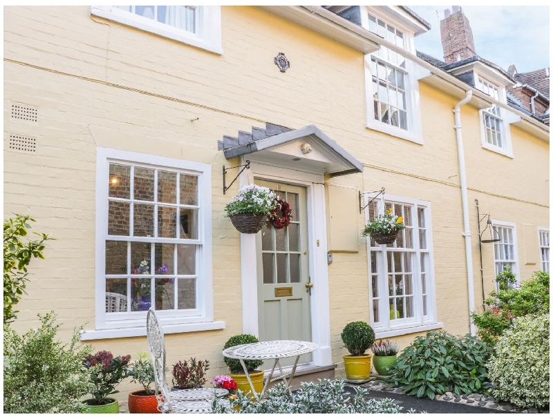 138E Old Star & Garter Mews a british holiday cottage for 4 in ,