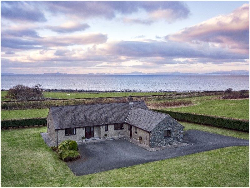 Tan Y Fedwen a british holiday cottage for 10 in ,