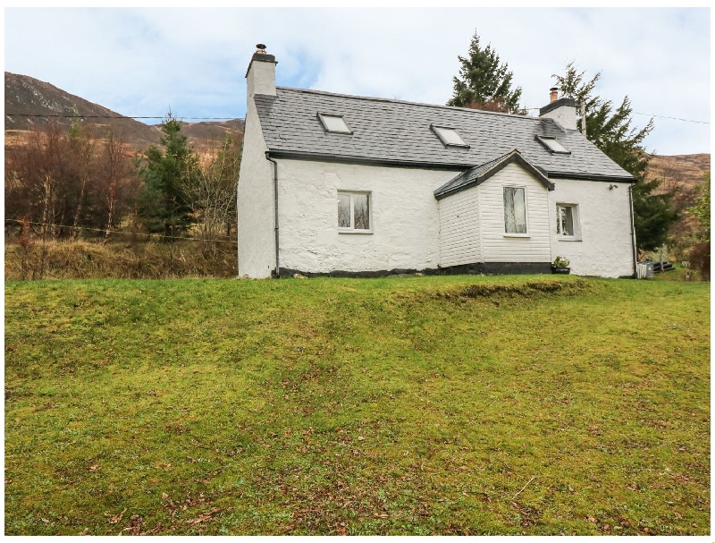 Creag Mhor Cottage a british holiday cottage for 4 in ,