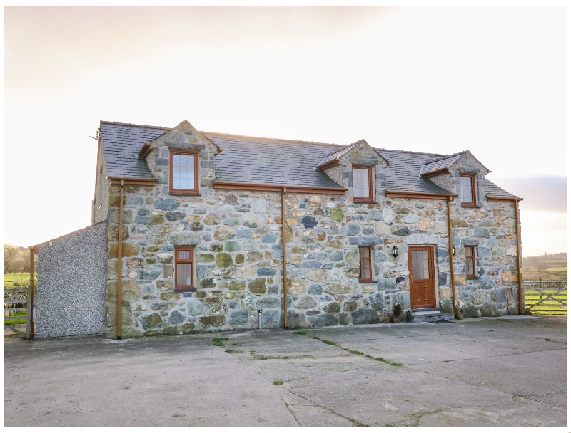 Stabl a british holiday cottage for 6 in ,