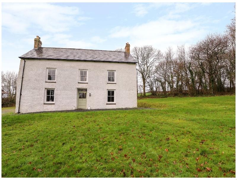 Llwyncadfor Farm a british holiday cottage for 12 in ,