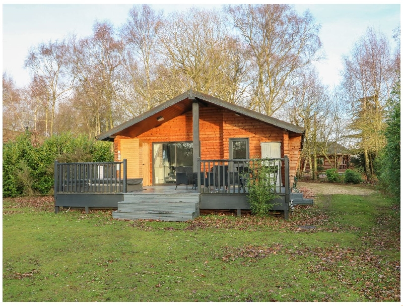 Sunset Lodge a british holiday cottage for 6 in ,