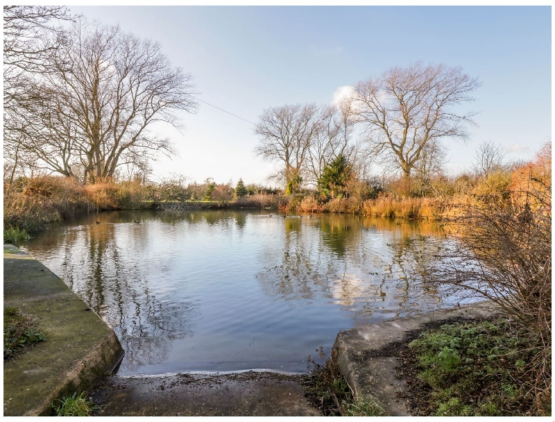 Pond View at Pakefield Hall a british holiday cottage for 3 in ,