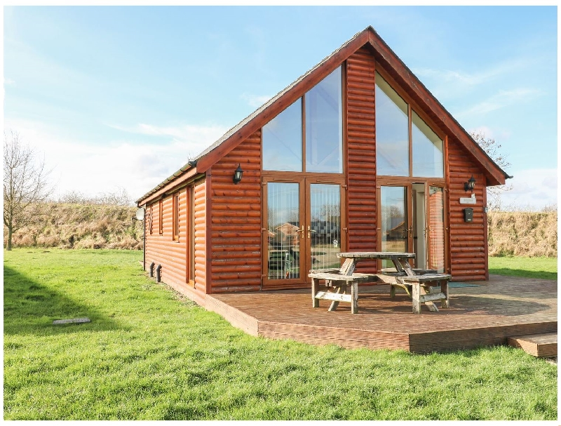 Birkdale Lodge a british holiday cottage for 4 in ,