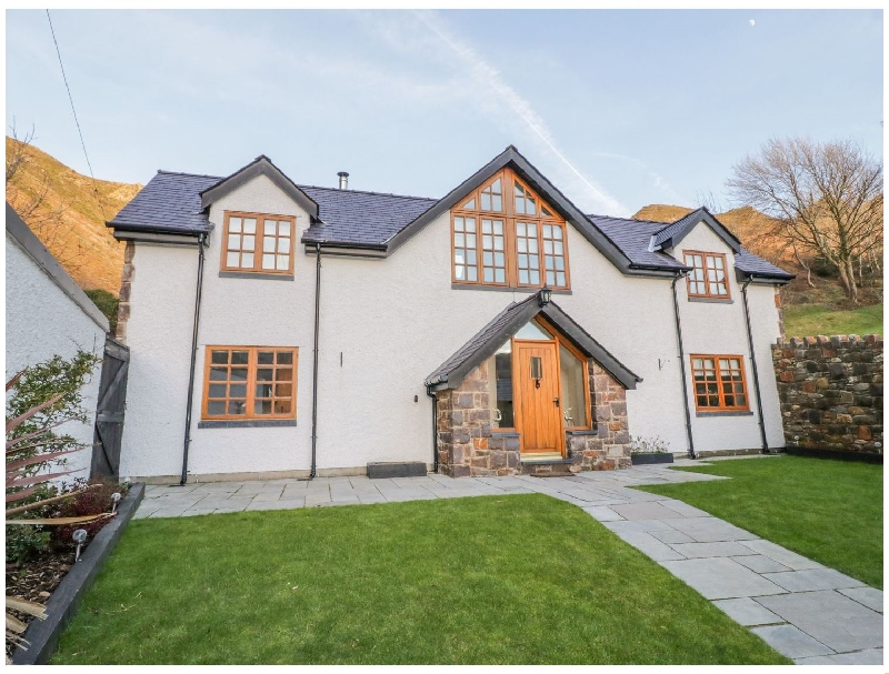 Bwthyn Carregwen a british holiday cottage for 6 in ,