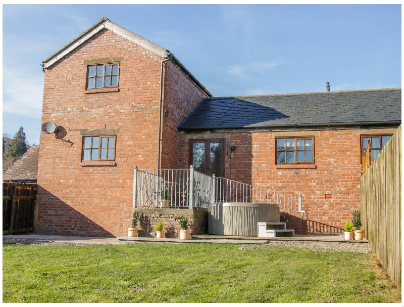 Old Hall Barn 2 a british holiday cottage for 5 in ,