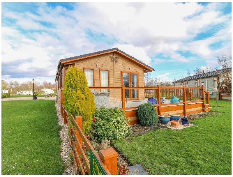 Lake View Lodge a british holiday cottage for 4 in ,