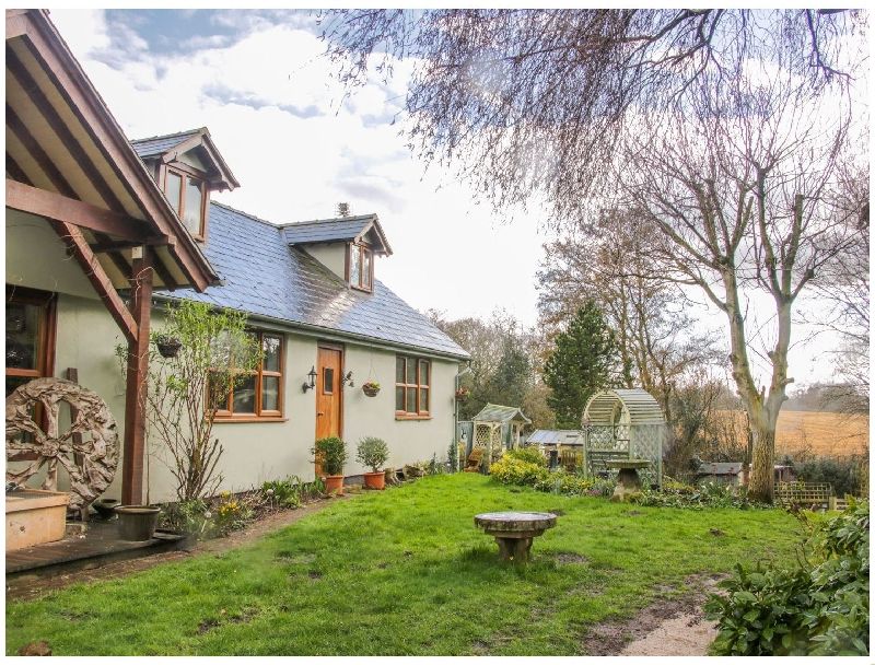 Gardeners Cottage a british holiday cottage for 2 in ,