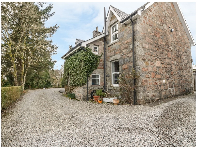 The Knowe Upper a british holiday cottage for 4 in ,
