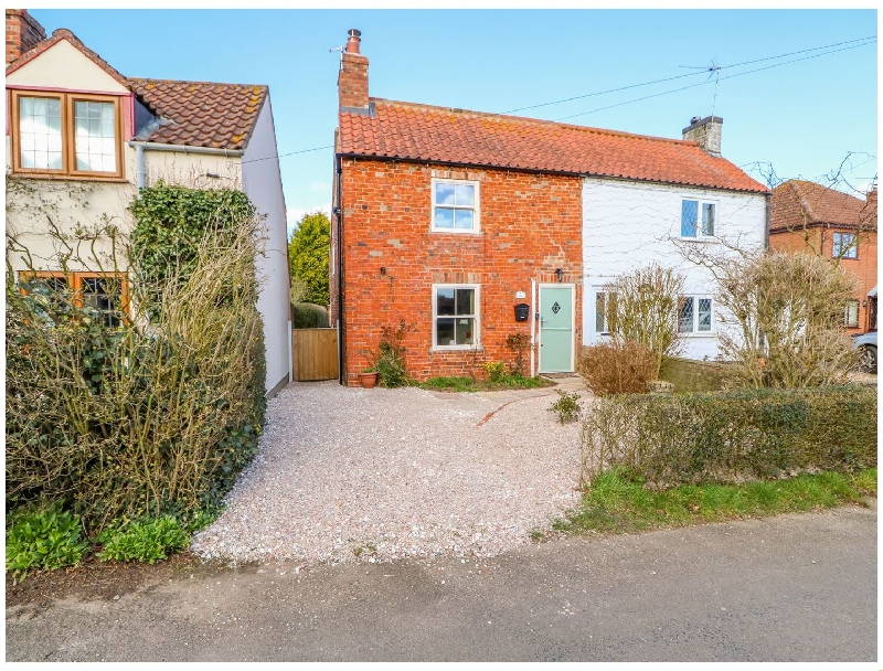 Owl Cottage a british holiday cottage for 4 in ,