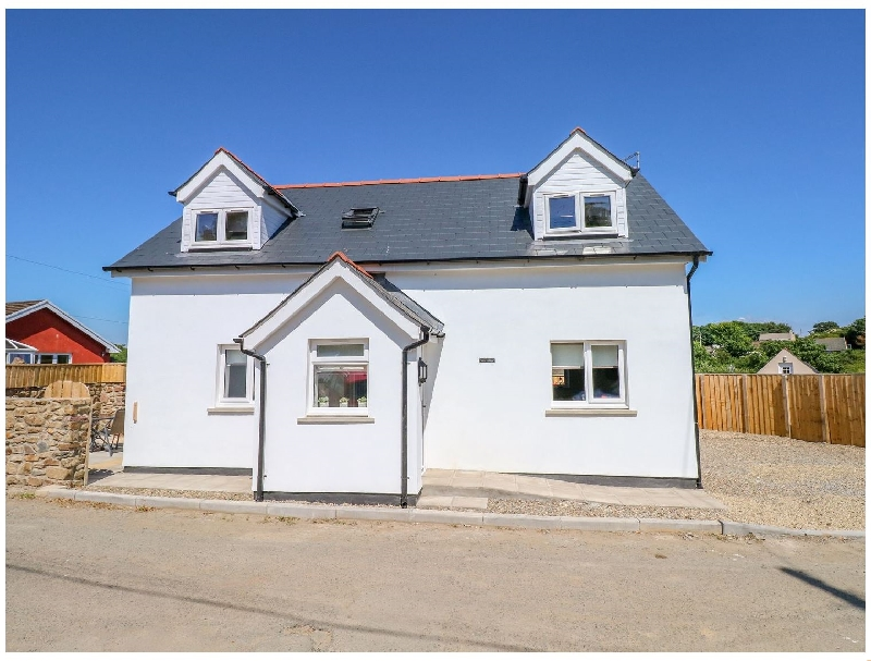 Grove Cottage a british holiday cottage for 4 in ,