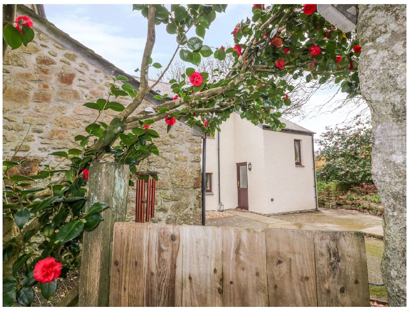 Camellia Cottage a british holiday cottage for 4 in ,