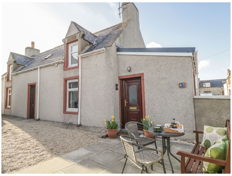 63 Seatown a british holiday cottage for 4 in ,