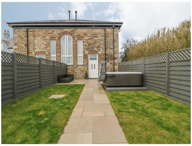 Sardis Chapel 2 a british holiday cottage for 8 in ,