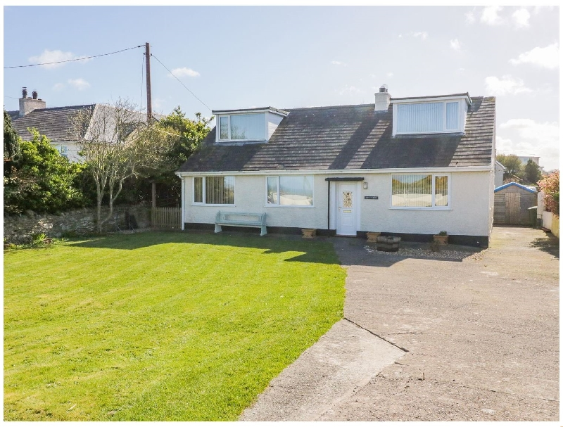 Swn Y Mor a british holiday cottage for 8 in ,