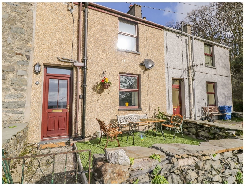 Tan Dderwen Terrace a british holiday cottage for 4 in ,