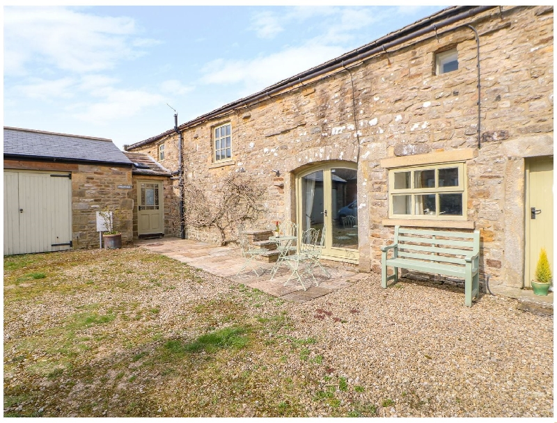 Swallows Barn a british holiday cottage for 7 in ,