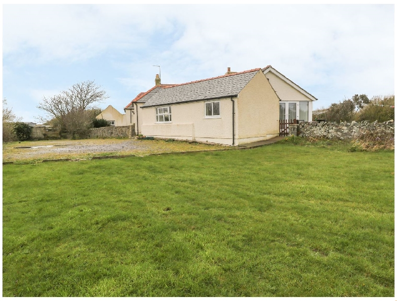 Alynfa Bach a british holiday cottage for 4 in ,