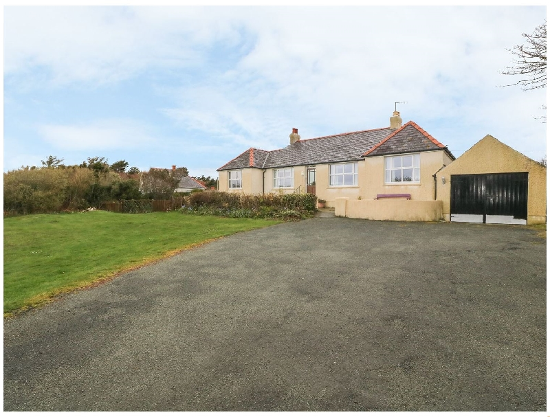 Alynfa a british holiday cottage for 8 in ,