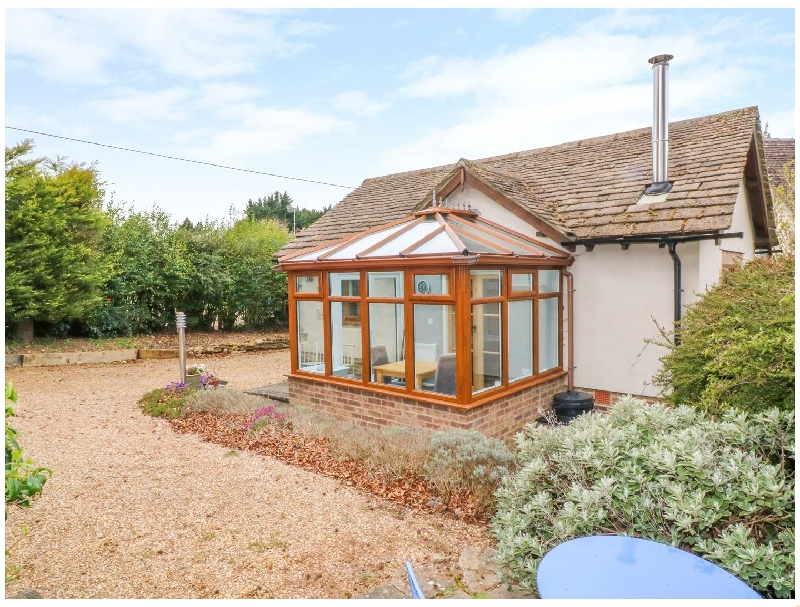 Lark's Lodge a british holiday cottage for 2 in ,