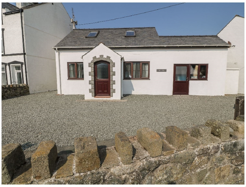 Pen Y Bont a british holiday cottage for 6 in ,