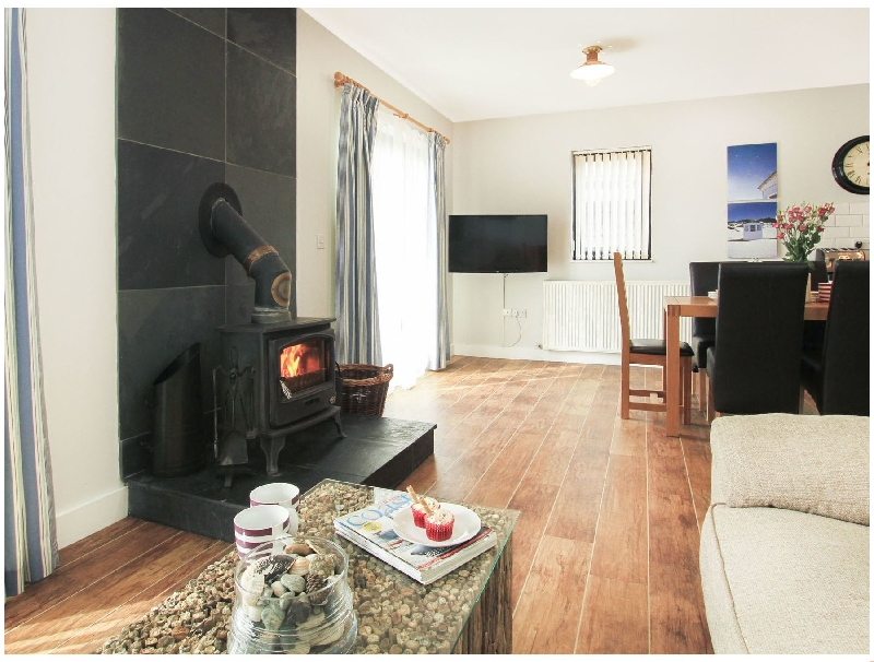 Cowrie Cottage a british holiday cottage for 8 in ,