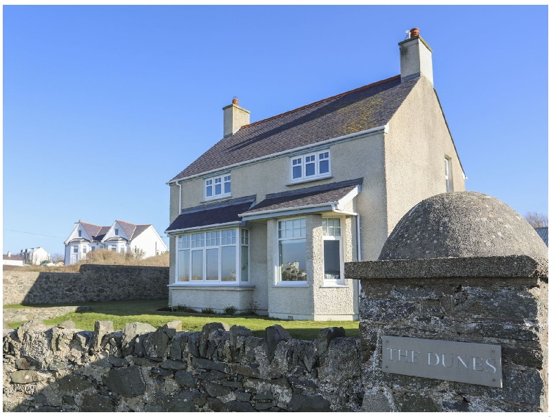 Dunes - Rhosneigr a british holiday cottage for 9 in ,